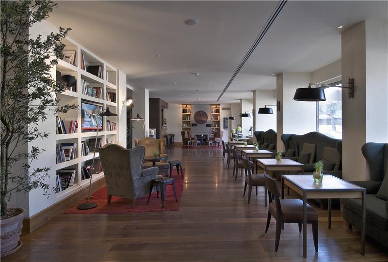 red_starhotels_tuscany_fi_lobby[1].jpg